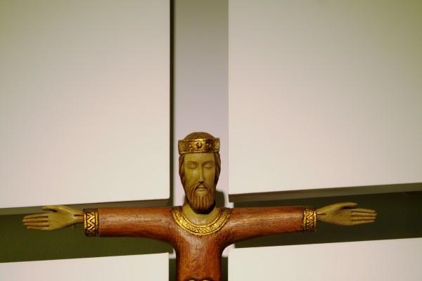 christ-grand-pretre-17015EBEE-BBF4-53F1-88C0-5B696CD2DB1C.jpg