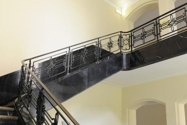 escalier-d-honneur-1328ADDB8-E2FA-7807-12F0-FD11C5E65C3A.jpg