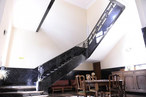 escalier-d-honneur-262DDF7B9-E6A4-2951-F6C1-70248A54EB35.jpg